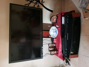 """Toshiba 50"""" inch HD TV with TV stand for Sale in Aventura, FL"""