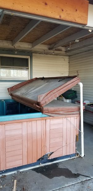 Free jaquzzi hot tub non working for Sale in Kennewick, WA