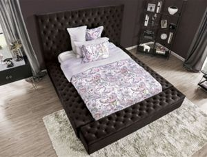 QUEEN BED FRAME {{0NLY}} for Sale in Norwalk, CA