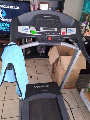 Weslo WLTL29609 Cadence G 5.9 Treadmill for Sale in Dallas, TX