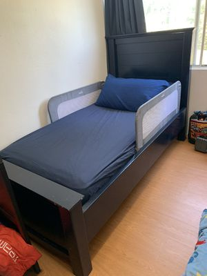 Navy Wood Twin Bed for Sale in Glendora, CA