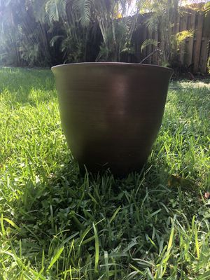 Big Flower Pot from Costco for Sale in Miami, FL