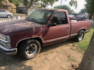 89 Chevy Silverado 5.7 for Sale in Madera, CA