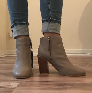 Brand New Gray Leather Booties Size 9.5 for Sale in Chicago, IL