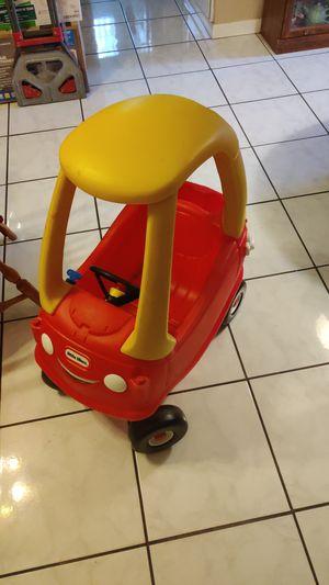 Little tikes cozy car for Sale in Pembroke Pines, FL