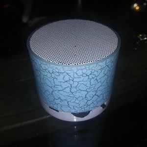 Cellphone speaker / amplifier crackle blue finish for Sale in Long Beach, CA