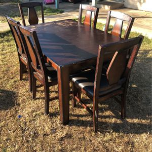 Table for Sale in Porterville, CA