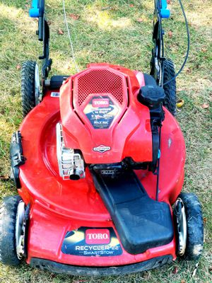 """Toro Recycler Smart Stow 22"""" 3-N-1 Lawn Mower for Sale in Oxon Hill, MD"""