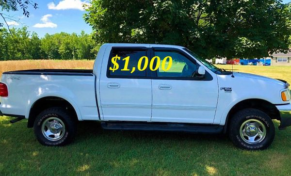 🌿🍃$1,OOO For sale URGENTLY 2OO2 Ford F-150 XLT Super Crew Cab 4-Door Pickup Very strong V8 Runs and drives very smooth🌿🍃