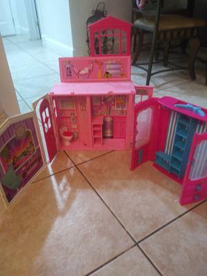 Little house an closet for Sale in Hialeah, FL