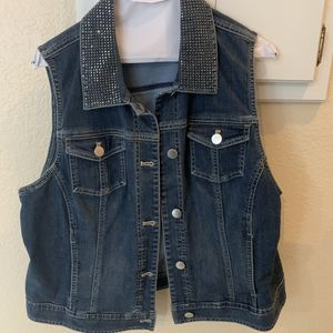 CHICO'S. PLATINUM. DENIM JACKET for Sale in Farmers Branch, TX