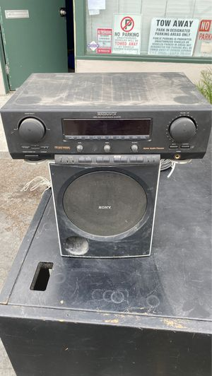 FREE - Stereo amplifier and subwoofer for Sale in San Diego, CA
