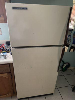 Refrigerator for Sale in El Paso, TX