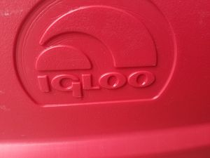 Red igloo cooler for Sale in Long Beach, CA