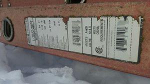 28' Louisville Fiberglass Extension Ladder W/ Pro Top for Sale in Seattle, WA