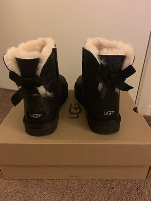 100% Authentic Brand New in Box UGG Mini Bailey Bow Sparkle Black Boots / Women size 8/ Color: Black for Sale in Walnut Creek, CA