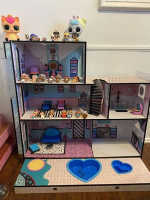 LOL Surprise Doll House with dolls and accessories for Sale in Downey, CA