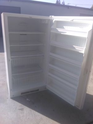 Whirlpool large upright freezer for Sale in Hayward, CA