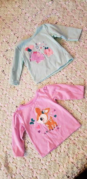 2 Babygirl shirts sz 0-3 for Sale in Lancaster, CA