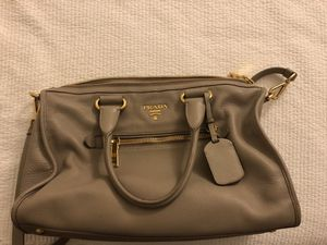 Prada Pebble Leather Handbag for Sale in Glendale, CA
