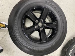 Jeep wheels and tires for Sale in Daly City, CA