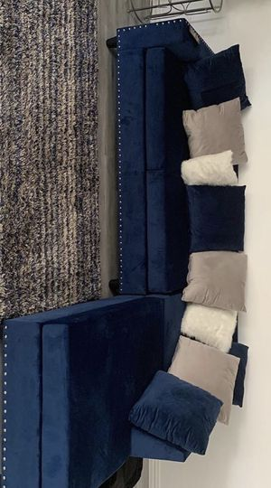 Eltmann Slate Modular Sectional / couch /Living room set for Sale in Houston, TX
