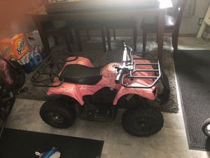 Nice Four wheeler Electric for Sale in Minneapolis, MN
