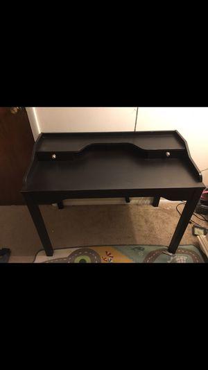 Desk for Sale in Carpentersville, IL