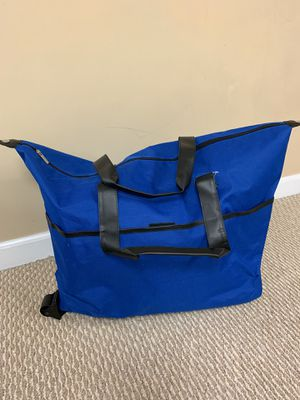 Duffel bag with wheels for Sale in Macomb, MI