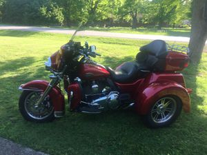 2013 Harley Davidson triglide. 10540 miles it still has 17 months left on warranty if somethings go wrong it only costs $50.00 to get it fixed for Sale in Nashville, TN