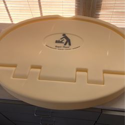 Diaper Changing Station ( Wall Mount Type ) for Sale in Lawrenceville, GA