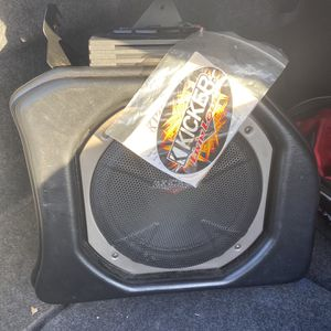 Kicker Customs Subwoofer for Sale in Fort Washington, MD