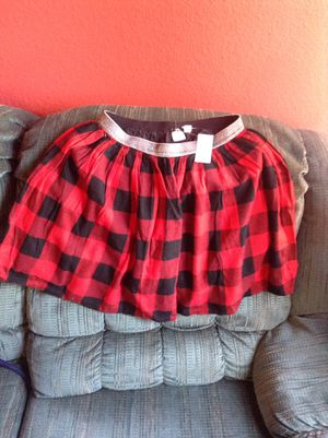 Girls plaid skirt ( juniors ) girls clothes,new with tags,gap kids. for Sale in Fontana, CA