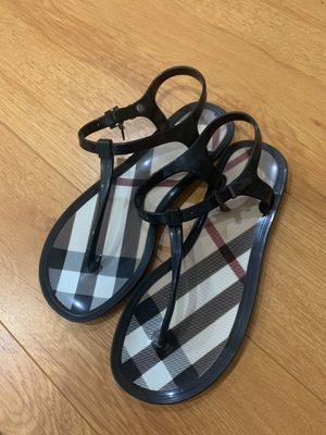 Burberry Sandals - size 36 for Sale in Los Angeles, CA