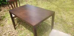 KITCHEN TABLE AND CHAIRS for Sale in Greenville, SC