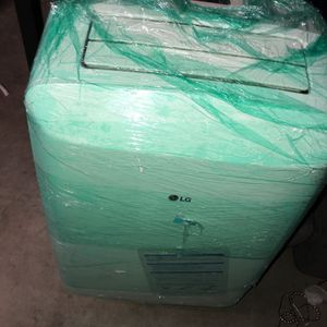 LG PORTABLE AIR Conditioner And Dehumidifier In One Excellent Condition for Sale in Brooklyn, NY
