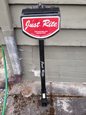 """Just Rite 3-Bike Standard Hitch Mounted Bike Rack For 2"""" Receiver hitch included for Sale in Lynnwood, WA"""