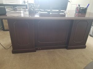 Desk & Chair for Sale in Humble, TX