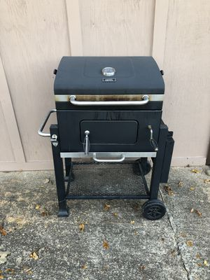 Expert Grill charcoal style. for Sale in Gainesville, GA