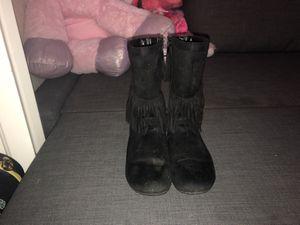 Girl winter boots for Sale in Wimauma, FL