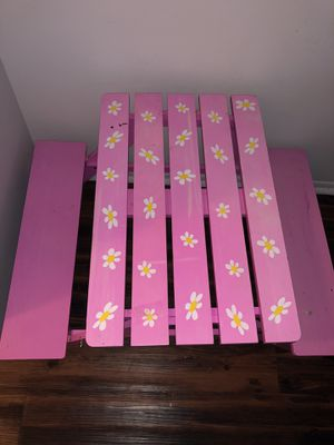 Pink kids picnic table for Sale in Madison Heights, MI