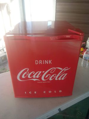 Coca-Cola 1.7-Cubic Foot Refrigerator for Sale in Fort Meade, FL