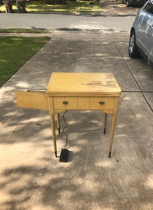 Singer 201 Antique Sewing Machine for Sale in Austin, TX