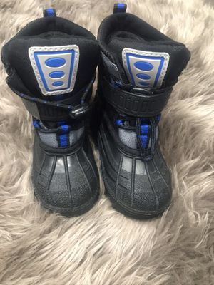 Boots size 6 in toddler for Sale in Kennewick, WA