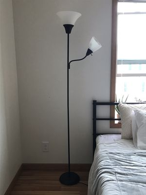 Standing lamp for Sale in Quincy, IL