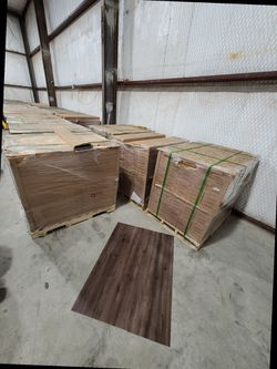 Luxury vinyl flooring!!! Only .88 cents a sq ft!! Liquidation close out! 8Q669 for Sale in Houston,  TX