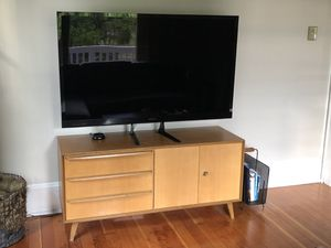 Vintage Mid-Century Modern TV Stand/Console for Sale in Seattle, WA