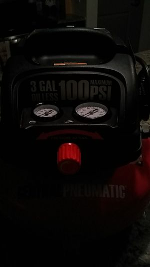 CENTRALPNEUMATIC 3GAL. OILLESS 💯 MAXIMUM PSI AIR COMPRESSOR for Sale in Stoneham, MA