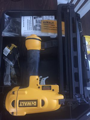 Dewalt brad nailer and finish nailer BRAND NEW for Sale in Winterville, NC
