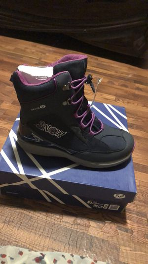 Geox Alaska waterproof girl's boots size 3 US for Sale in Brooklyn, NY